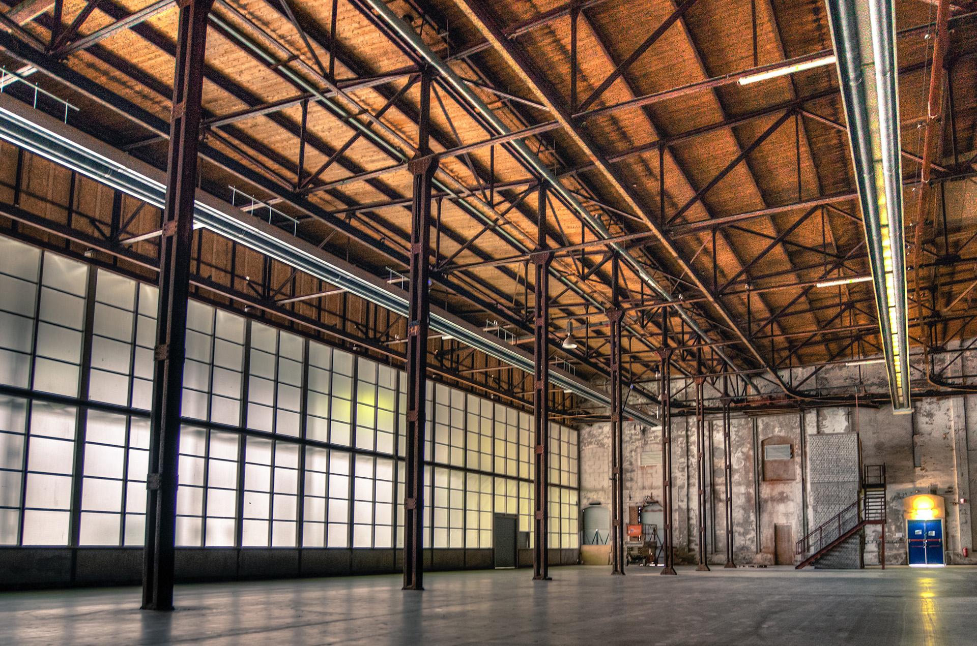Оценка склада, зданий производственного назначения нужна для анализа наиболее эффективного использования помещений, а также других целей